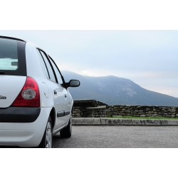 Vue de la face arrière de la Renault Clio 2