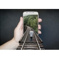 smartphone et une main