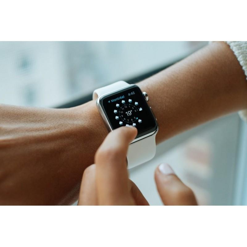 Une montre connectée en action