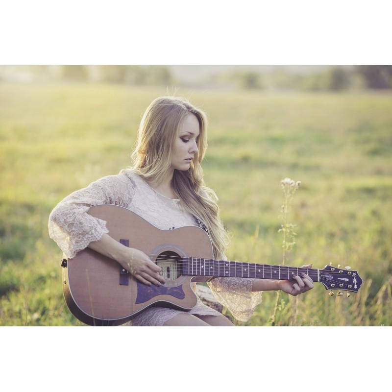 Une songwriter