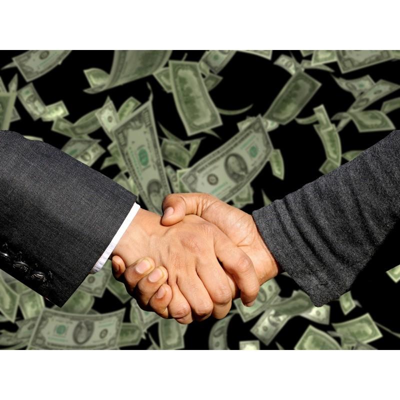 deux hommes qui se sert la main avec plein de dollards qui volent derrière
