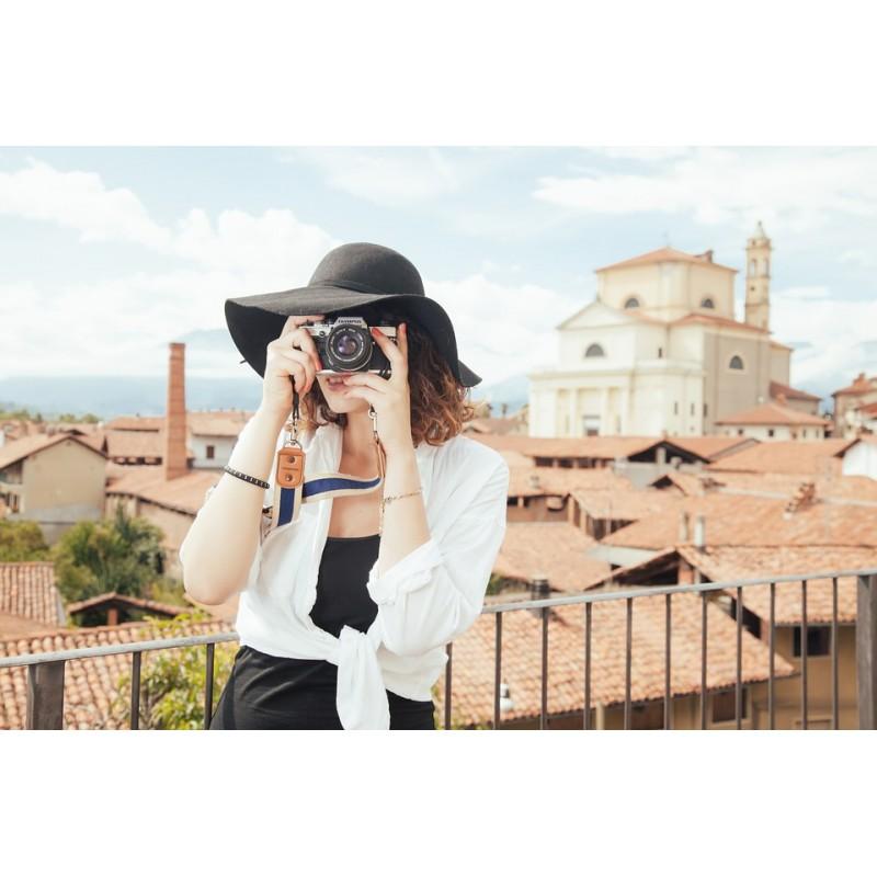 Touriste qui prend une photo