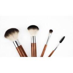 Comment bien nettoyer ses pinceaux de maquillage ?