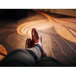 Accorder chaussures chaussettes et pantalon