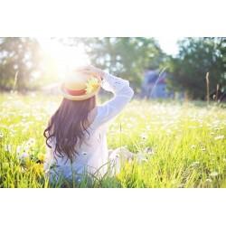 femme soleil chapeau