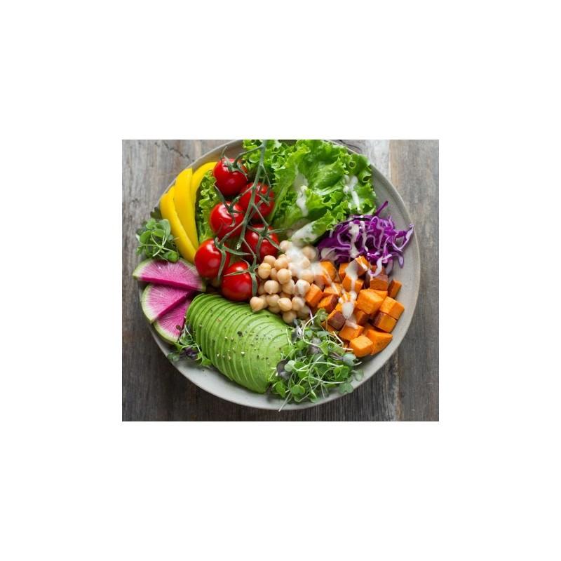 Assiette équilibrée avec légumes et légumineuses
